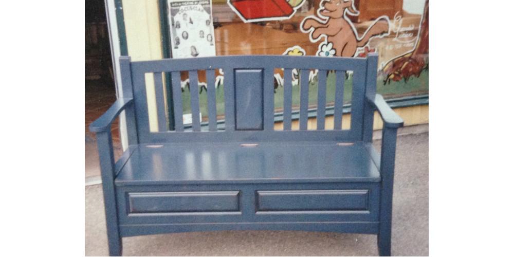 reproduction de chez nous banc d 39 entr e en bois. Black Bedroom Furniture Sets. Home Design Ideas